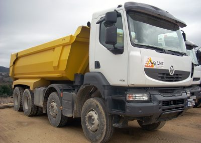 camion_8x4_zoom
